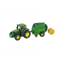 John Deere Traktor mit Ballenpresse